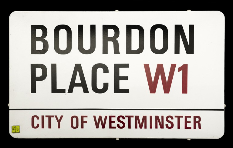 Bourbon-Place-street-sign