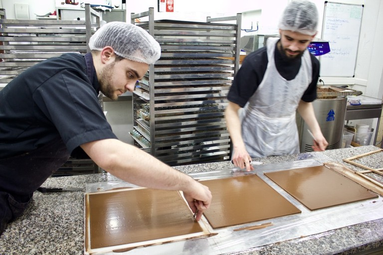 Inside Hasnaâ Chocolats Grands Crus atelier|