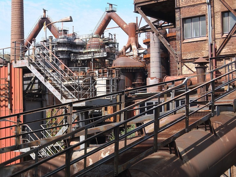 industrial-monument-1667191_1280