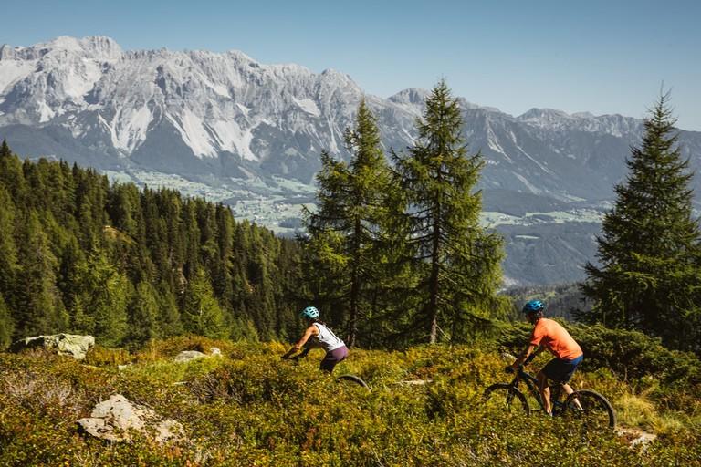 lowres_00000077585-mountainbiking-in-schladming-dachstein-region-oesterreich-werbung-Sebastian Stiphout