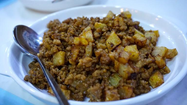 Macanese minchi as served at Riquexo, Macau