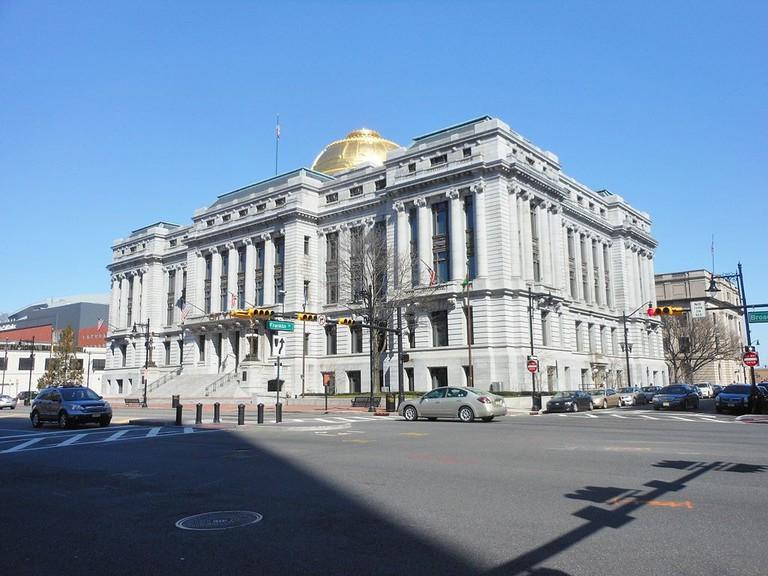 Newark_City_Hall_Full_View