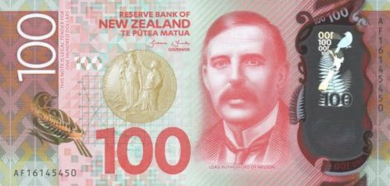 NZ $100 Note | © Steve92341 / Flickr