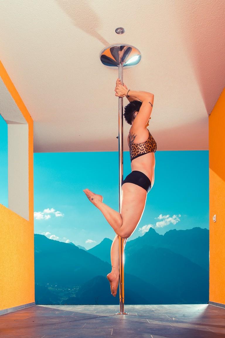 pole-dance-1986259_1920