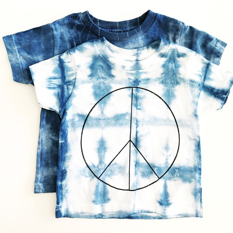 https://shoprichhippies.com/collections/all/products/rich-hippies-ooak-hand-dyed-peace-tee
