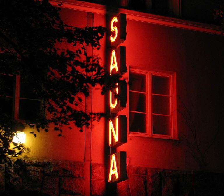 Sauna_Kotiharju_neon_sign