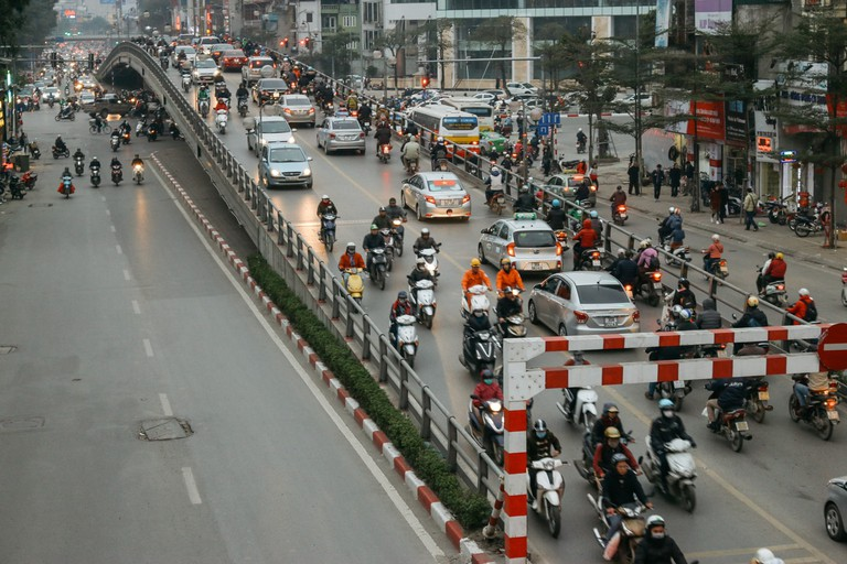 SCTP0109-PHAM-VIETNAM-HANOI-MOTORBIKEREPAIR_0658