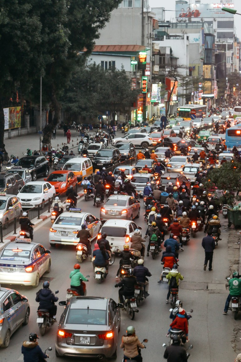 SCTP0109-PHAM-VIETNAM-HANOI-MOTORBIKEREPAIR_0665