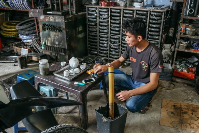 SCTP0109-PHAM-VIETNAM-HANOI-MOTORBIKEREPAIR_9177