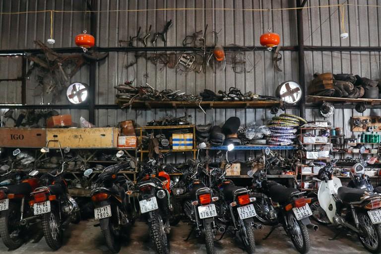 SCTP0109-PHAM-VIETNAM-HANOI-MOTORBIKEREPAIR_9790