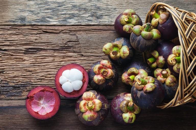 Mangosteen fruit | © seksan kingwatcharapong/Shutterstock