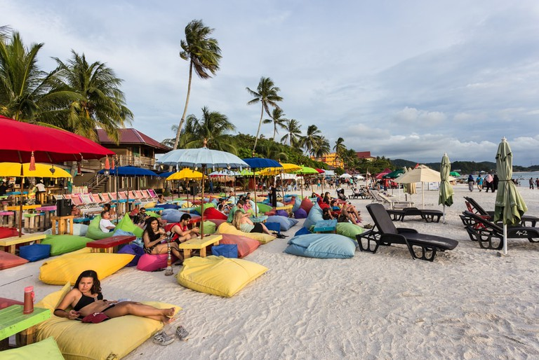 Lounge in one of the beach side cafes and bars | ©AsiaTravel/Shutterstock
