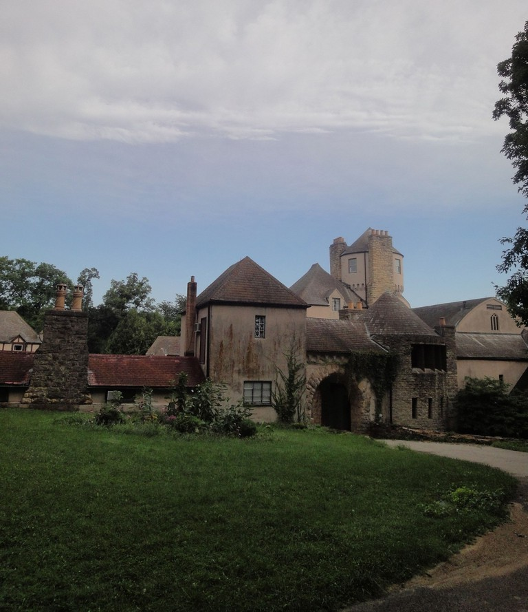 Stronghold_Castle_in_Oregon,_Illinois,_July_2011