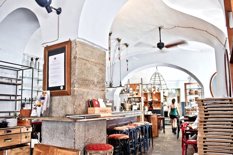Inside bar and bistrot Tre Galli, Turin