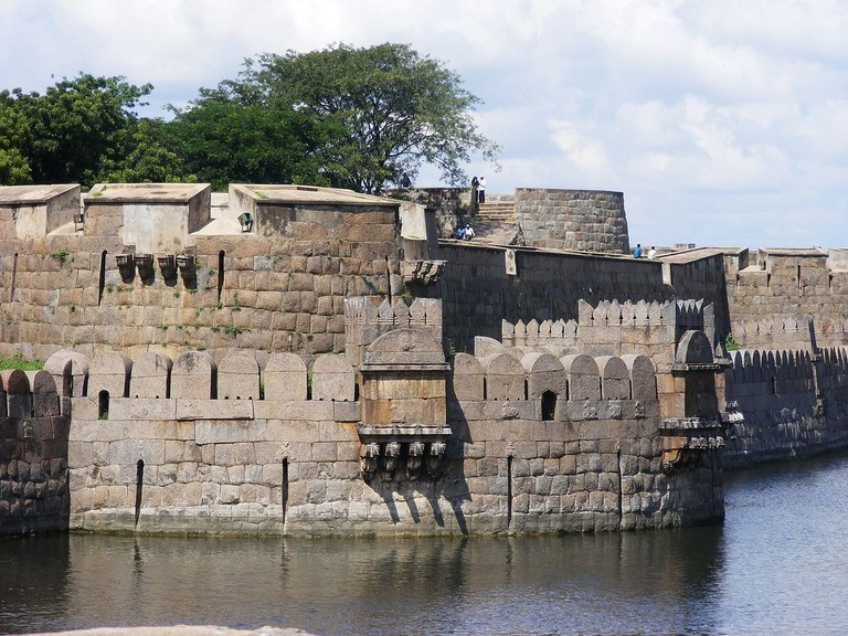 The Vellore Fort features one of the tallest ramparts among forts in Tamil Nadu