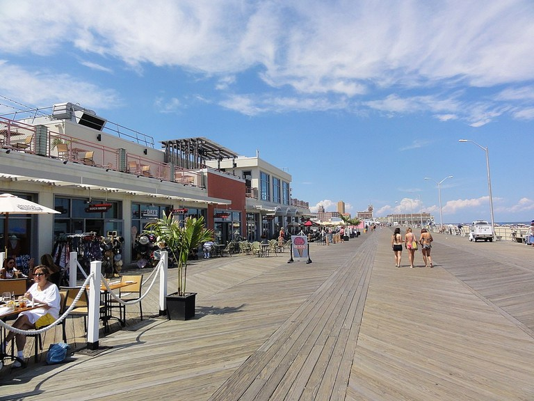 1024px-943_AP_Boardwalk