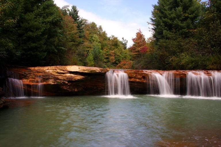 1024px-Blackwater-river-waterfalls_-_West_Virginia_-_ForestWander