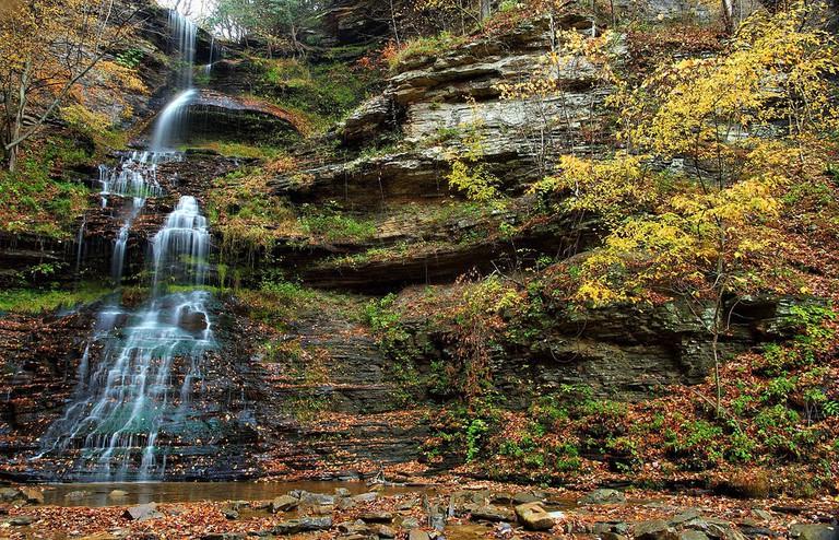 1024px-Cathedral-waterfalls-midland-trail-wv_-_Virginia_-_ForestWander