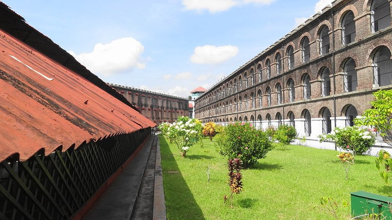1024px-Cellular_Jail,_Andaman_and_Nicobar