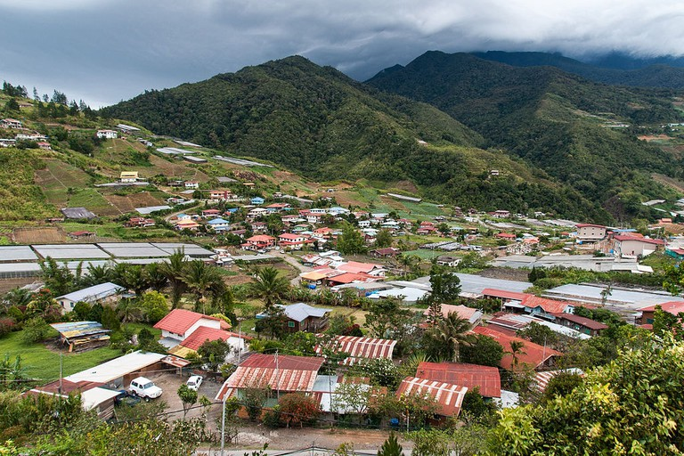View of a village in Kundasang | © CEphoto, Uwe Aranas/WikiCommons