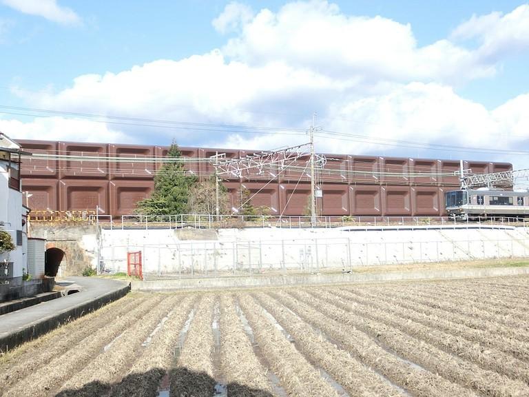 1024px-Meiji_osaka_factory_bigmilch