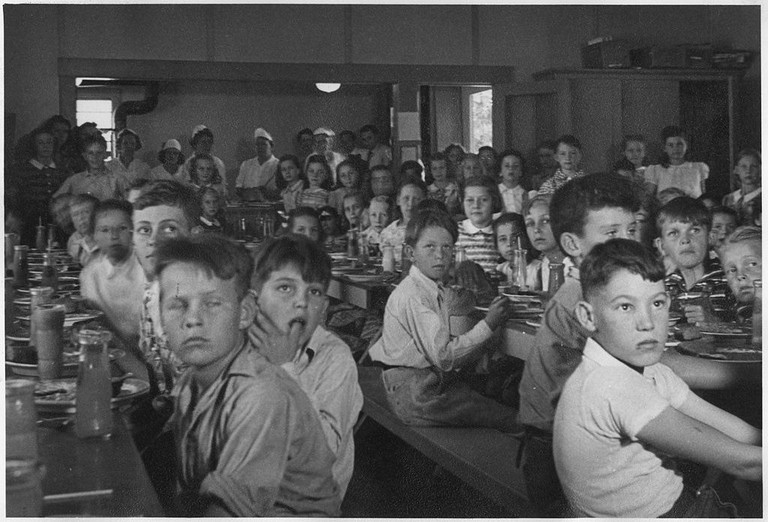 1024px-Photograph,_School_Lunch_Project-_John_Burroughs_School,_Fresno_City._-_NARA_-_296099