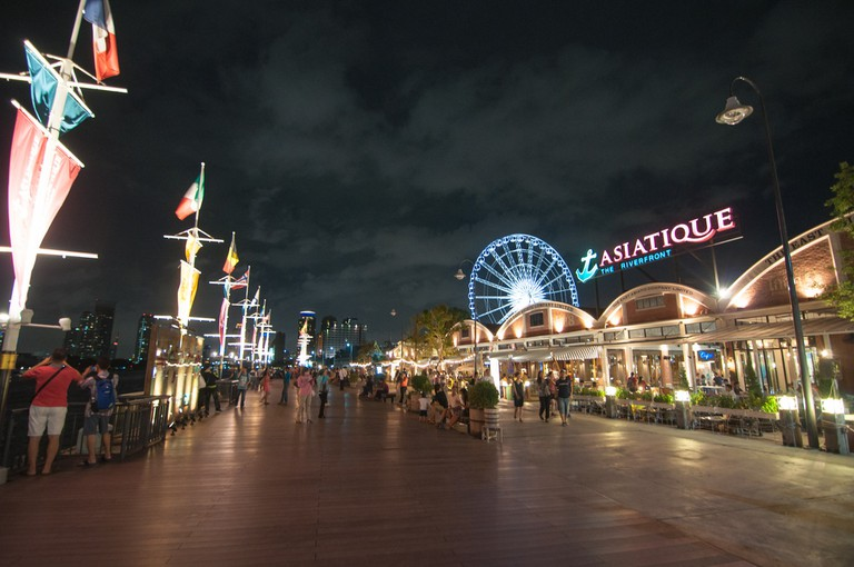 Asiatique has entertainment options for the whole family