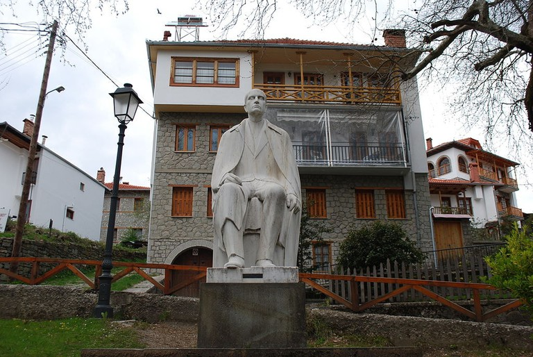 Statue of Michael Tositsa, in Metsovo
