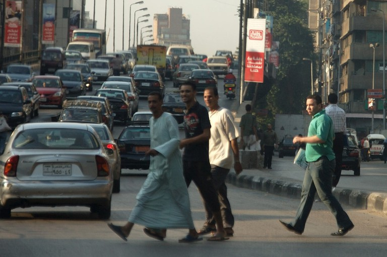 Crossing the street in Cairo