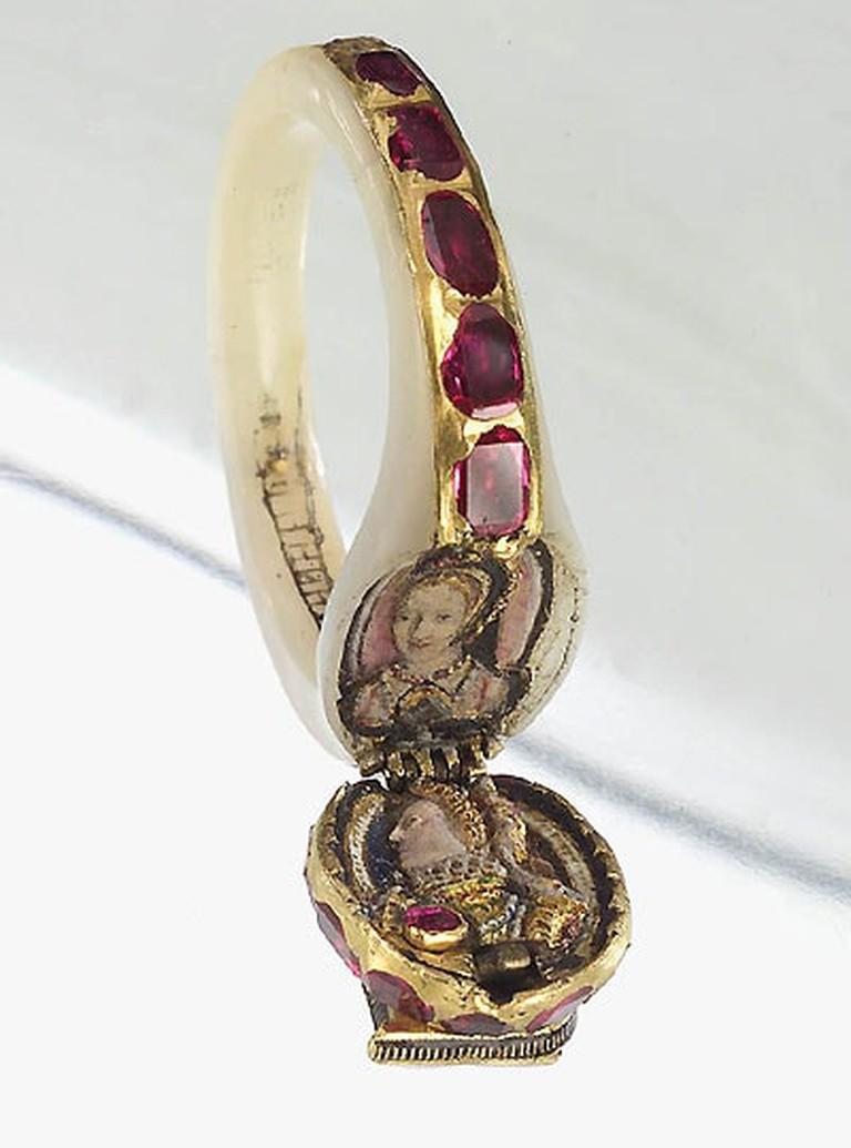 Elizabeth I's dual portrait locket ring