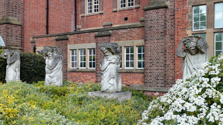 Statues at Hartley Library