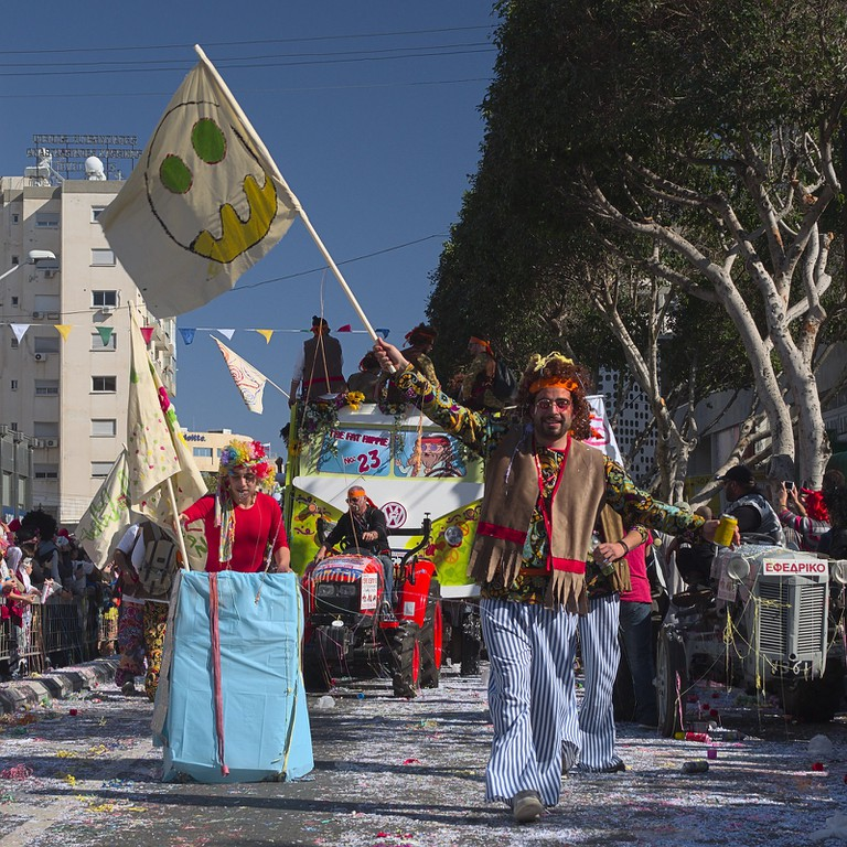 "Carnival parada,""Hippie"""