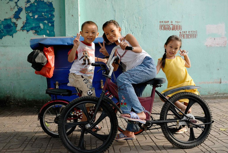 Vietnamese_Kids_On_Bikes