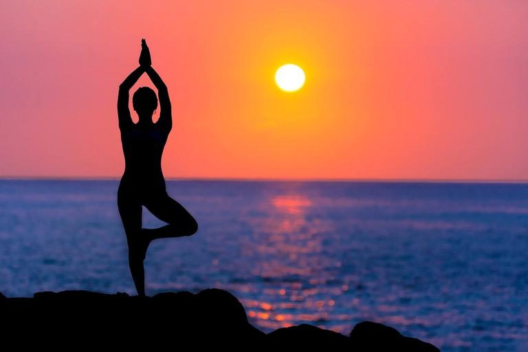 8.beach_yoga_