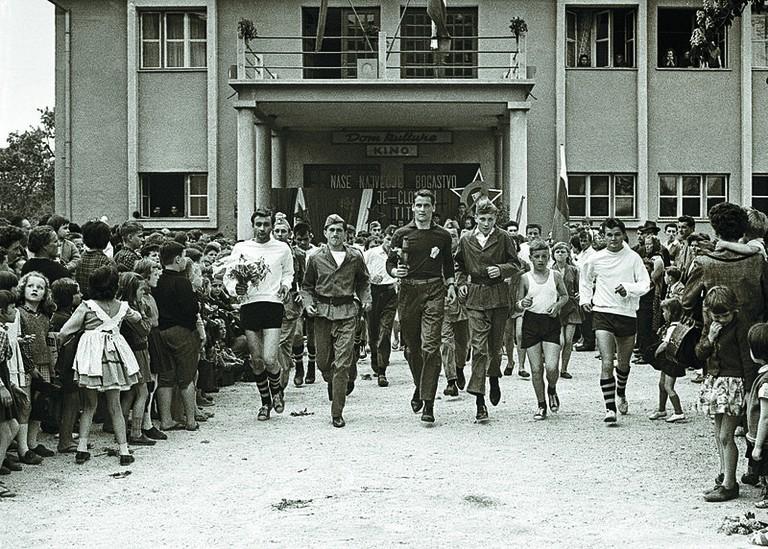 The relay goes through Slovenske Konjice in 1964