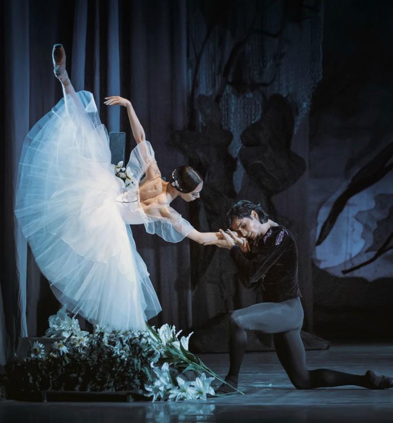 Alexander Stoyanov and Ekaterina Kukhar in Giselle.