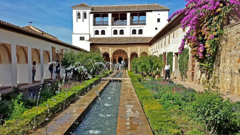 alhambra-517149_1920