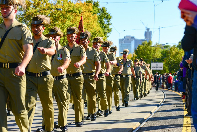 Anzac Day parade in Melbourne © Chris Phutully/Flickr
