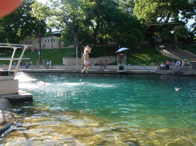 Barton_Springs_Pool_-_panoramio