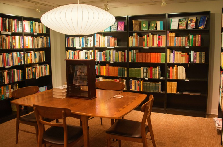 Blue Bicycle Books Lit Room -- Libby Williams Photography (1)