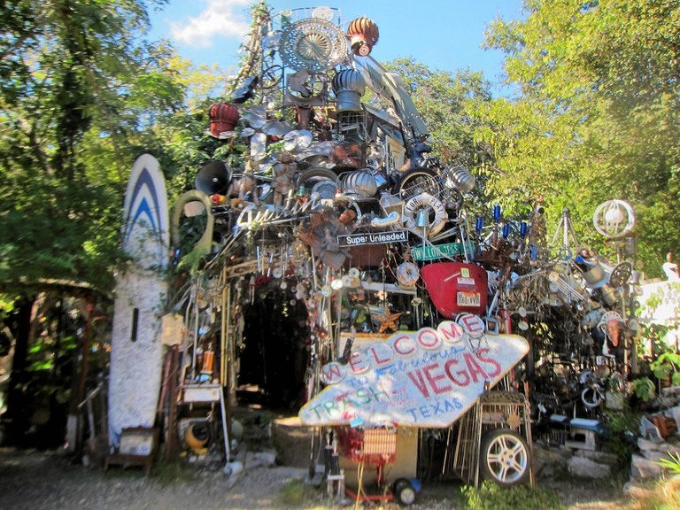 Cathedral_of_junk_austin