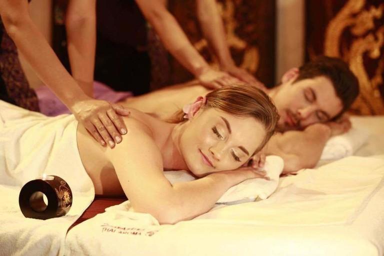 Couple's massage | Sawasdee Thai Aroma