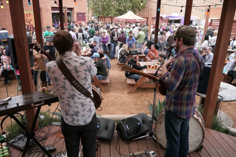 A band jams at Deep Ellum Brewing Co.