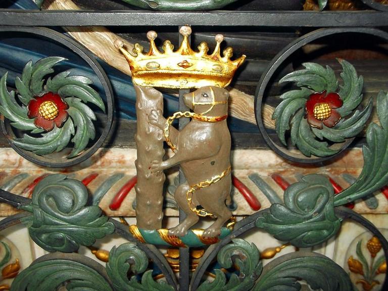 dudley_knollys_tomb_bear_warwick_st_marys-1024x768