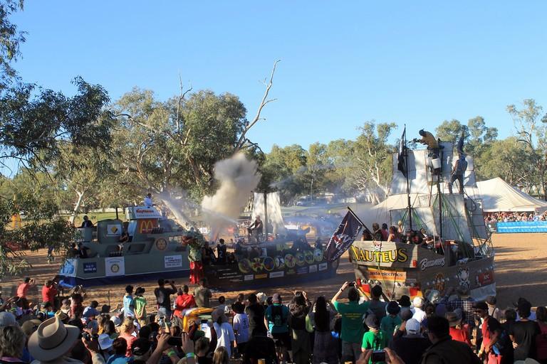 Henley-on-Todd Regatta in Alice Springs © portengaround/Flickr