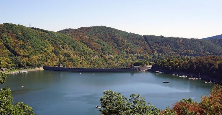 lake-2185546_960_720
