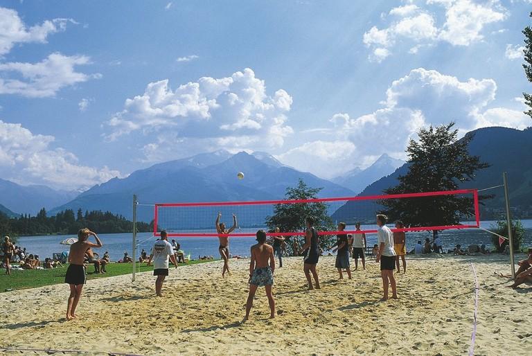 lowres_00000023024-beach-volleyball-zell-am-see-oesterreich-werbung-Niederstrasser - Edited