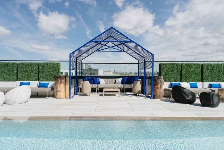 Outdoor pool bar and cabana
