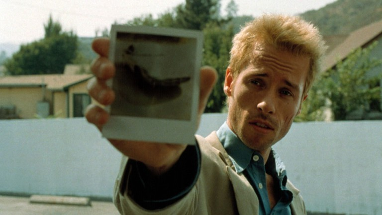 MEMENTO, Guy Pearce, 2000