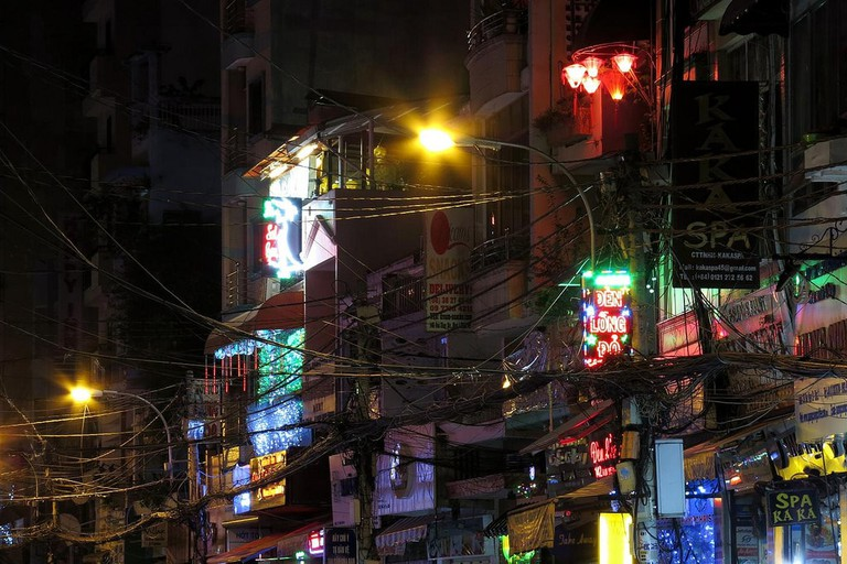 Neon lights hang over Bui Vien | © Soreen D/Flickr